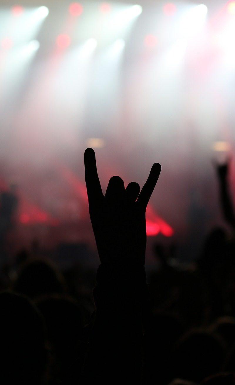 Wir lieben Heavy Metal.